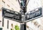 Zeitumstellung: Wann, Winterzeit und Sommerzeit und Auswirkungen auf die Gesundheit.