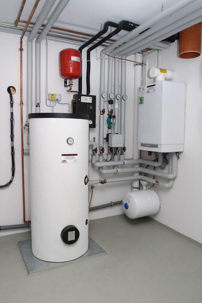 Moderne Gas Brennwertechnik ist umweltfreundlicher und verbrauchsärmer als alte Gasheizungen