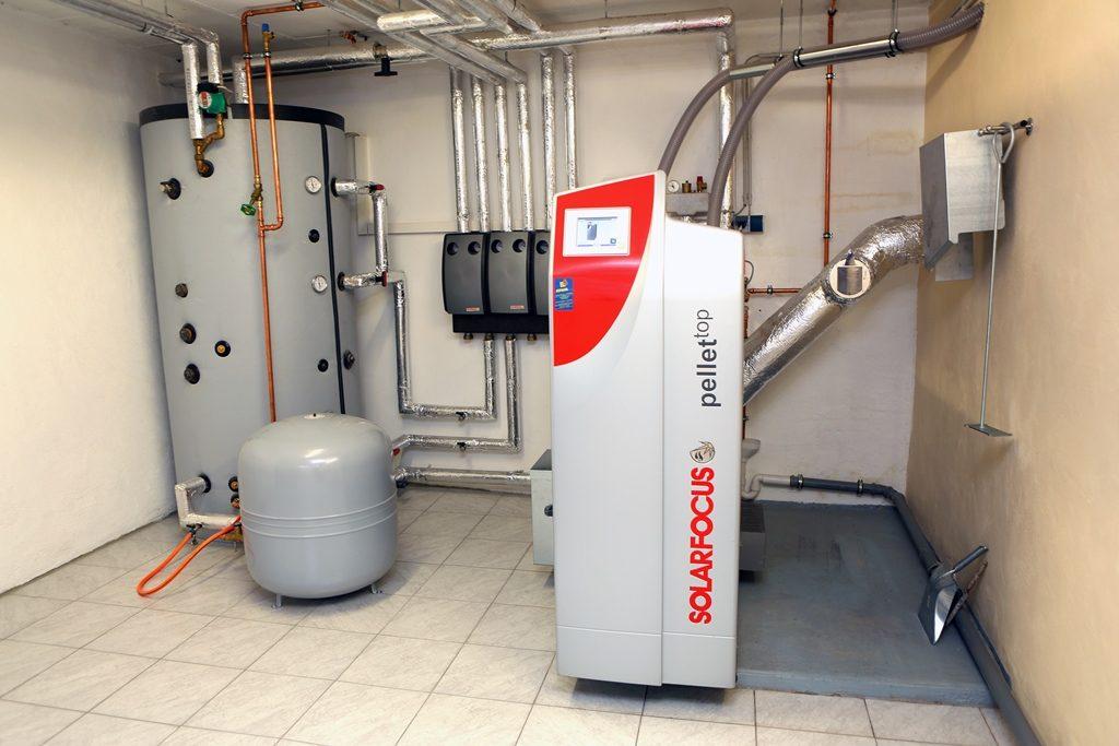 Heizsysteme im Vergleich: Pelletheizung oder Pelletkessel heizt CO2-neutral und ist sparsam im Betrieb